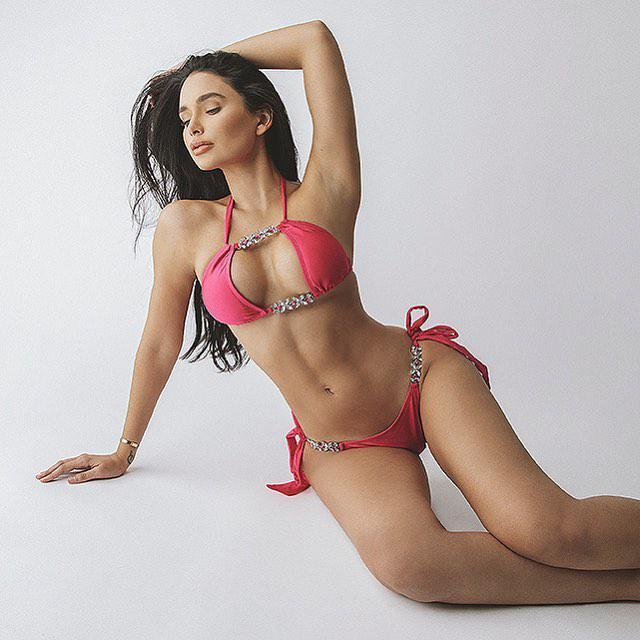 работа девушке моделью кубинка