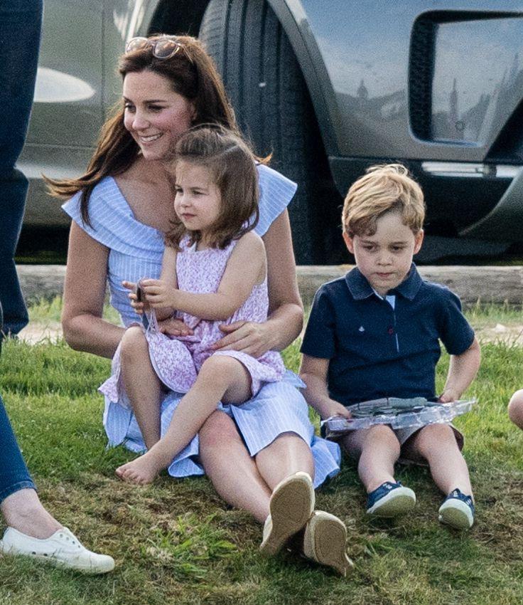 окрашивались несколько последние фото кейт миддлтон с детьми попасть лапы