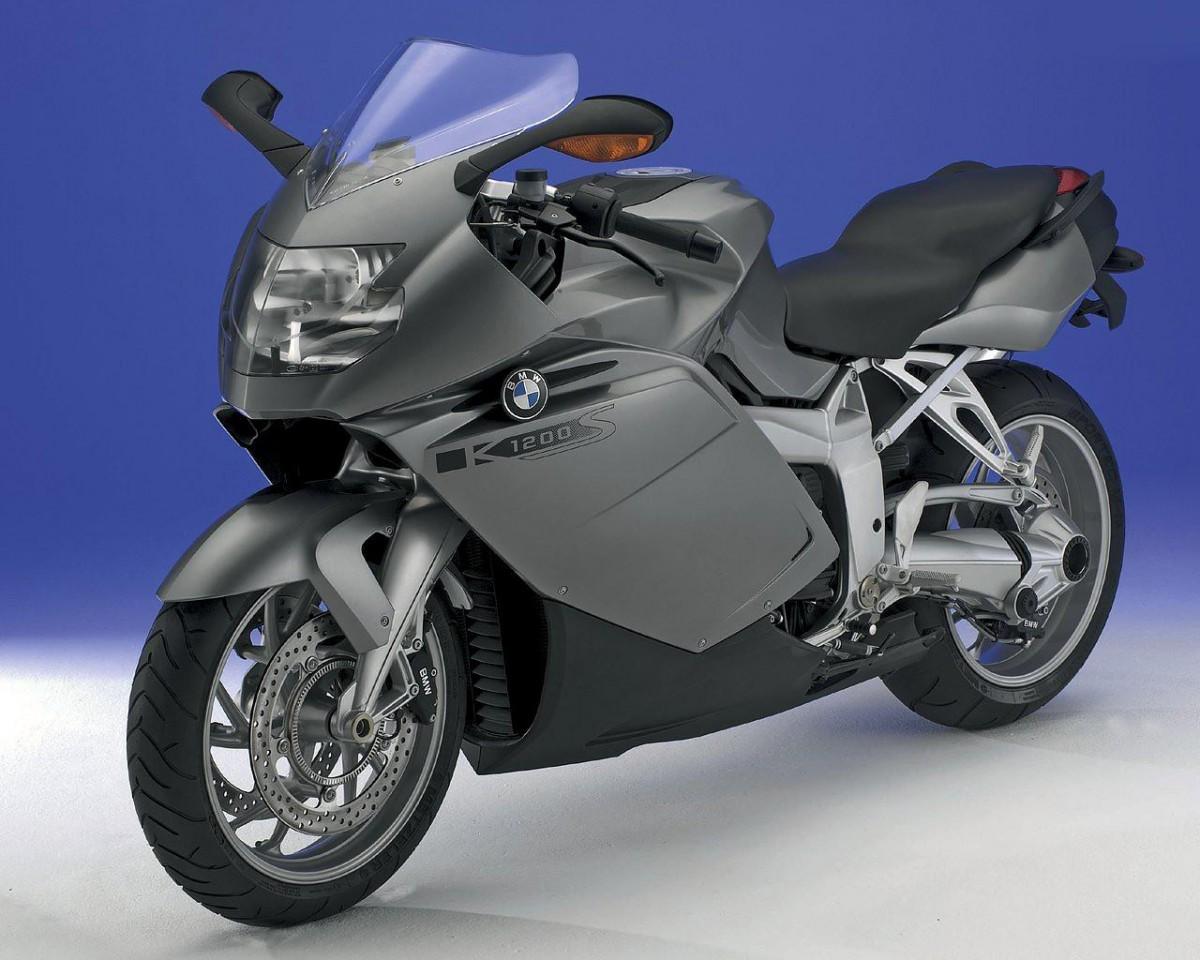мощный спортивный мотоцикл