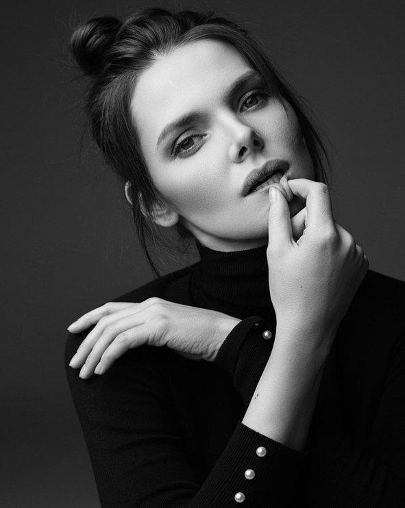 Елизавета Боярская черно-белое фото