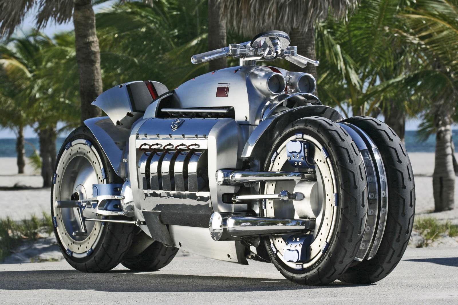 футуристичный мотоцикл