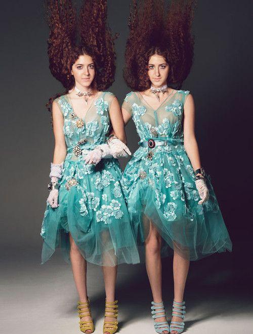 красивые девушки близняшки на фото
